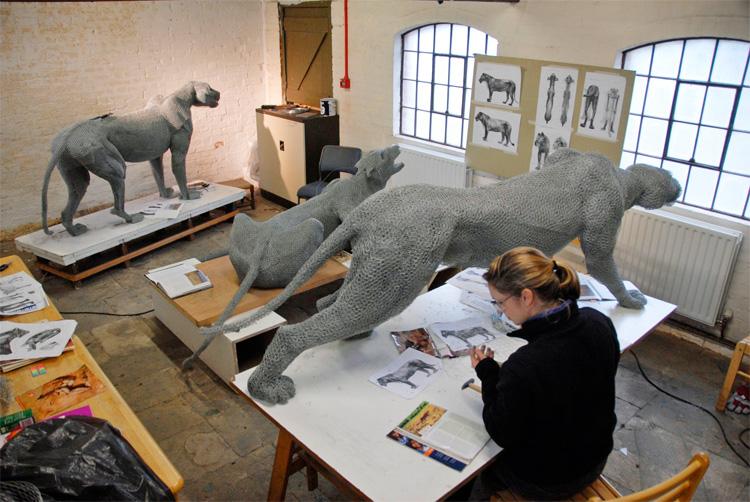 Kendra Haste dans son atelier