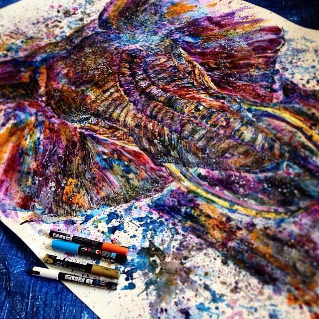 Ajout des couleurs avec feutres Posca – Emily Tan