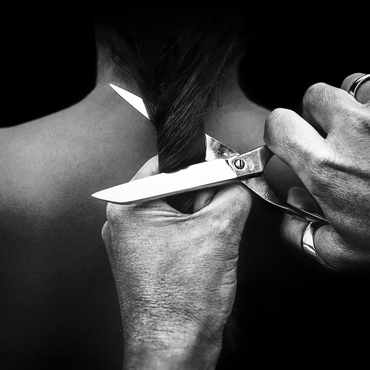 Cut © Benoit Courti