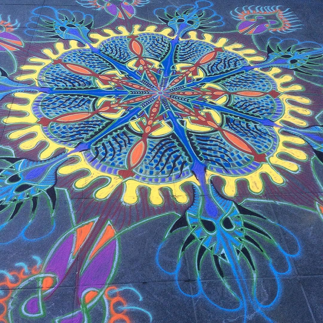 Sand painting © Joe Mangrum