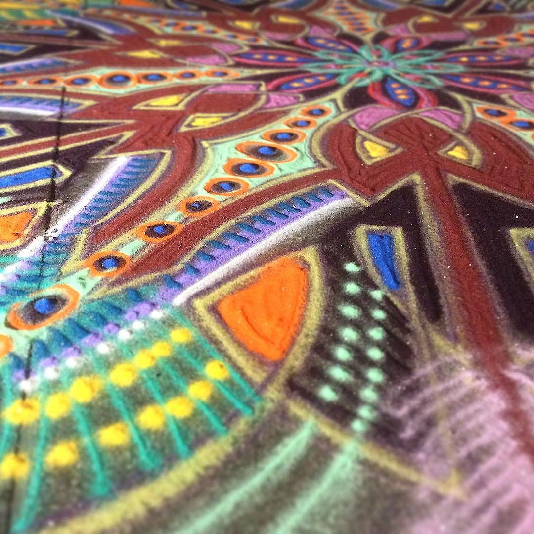 Peindre avec du sable color joe mangrum l 39 artboratoire for Peinture avec du sable