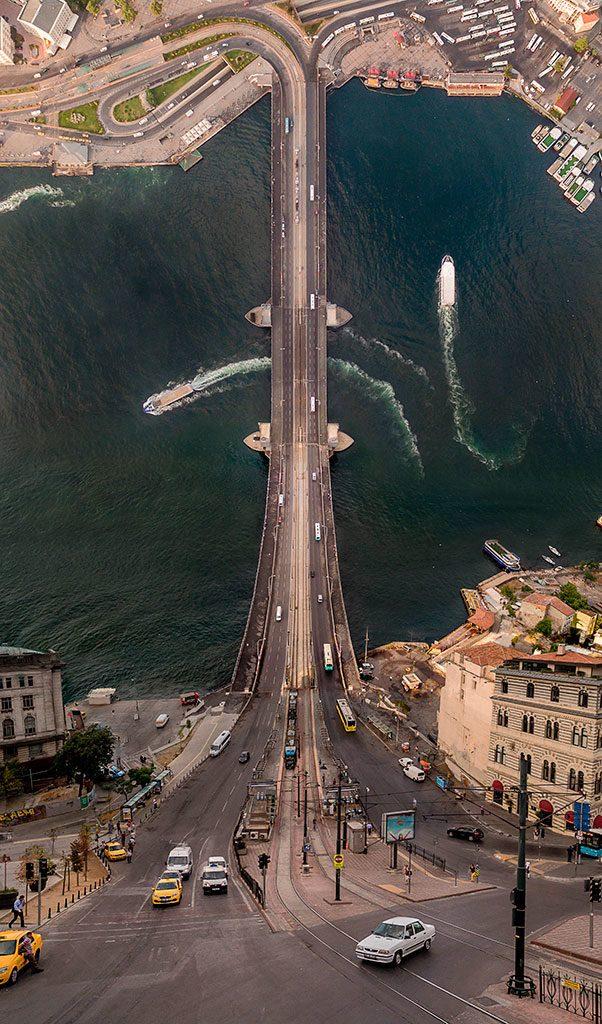 Galata Bridge © Aydin Büyüktaş