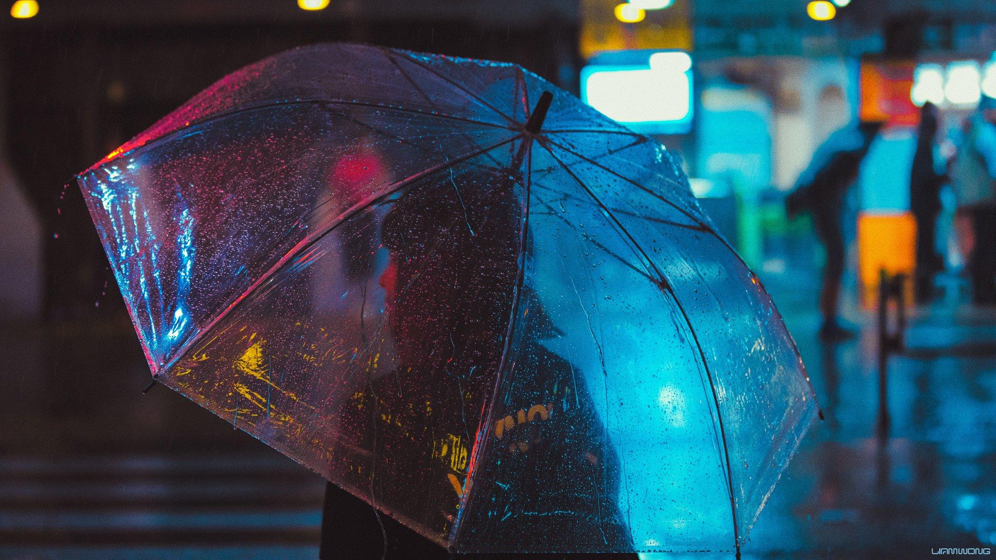 Parapluie et nuit – Liam Wong