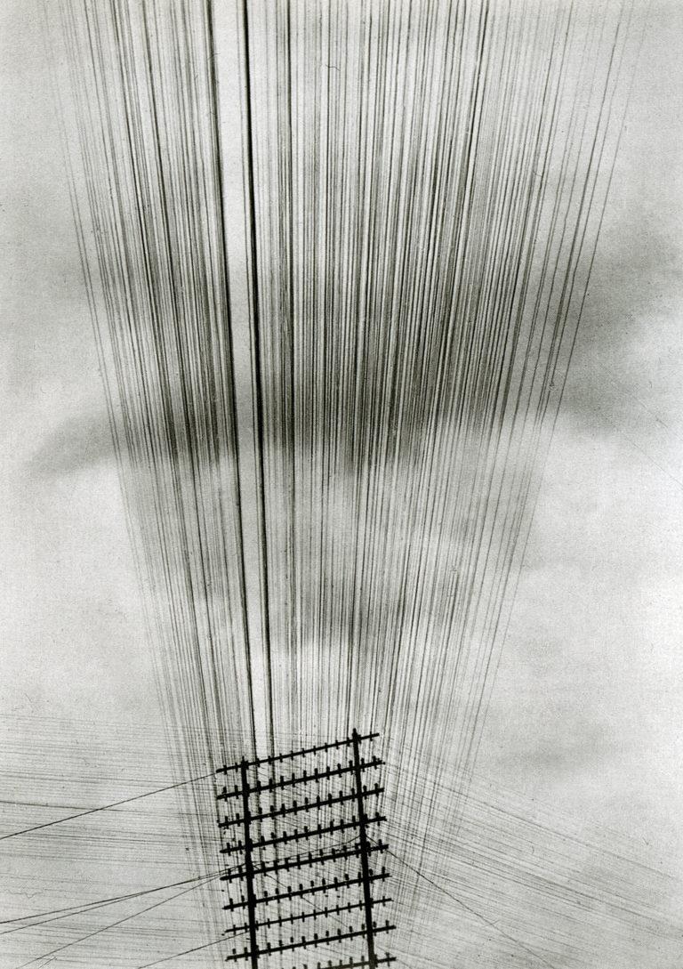 Fils de télégraphe, Tina Modotti, 1925
